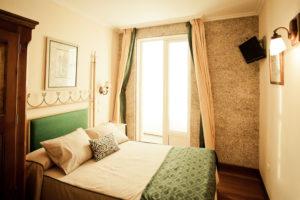 Hotel-85
